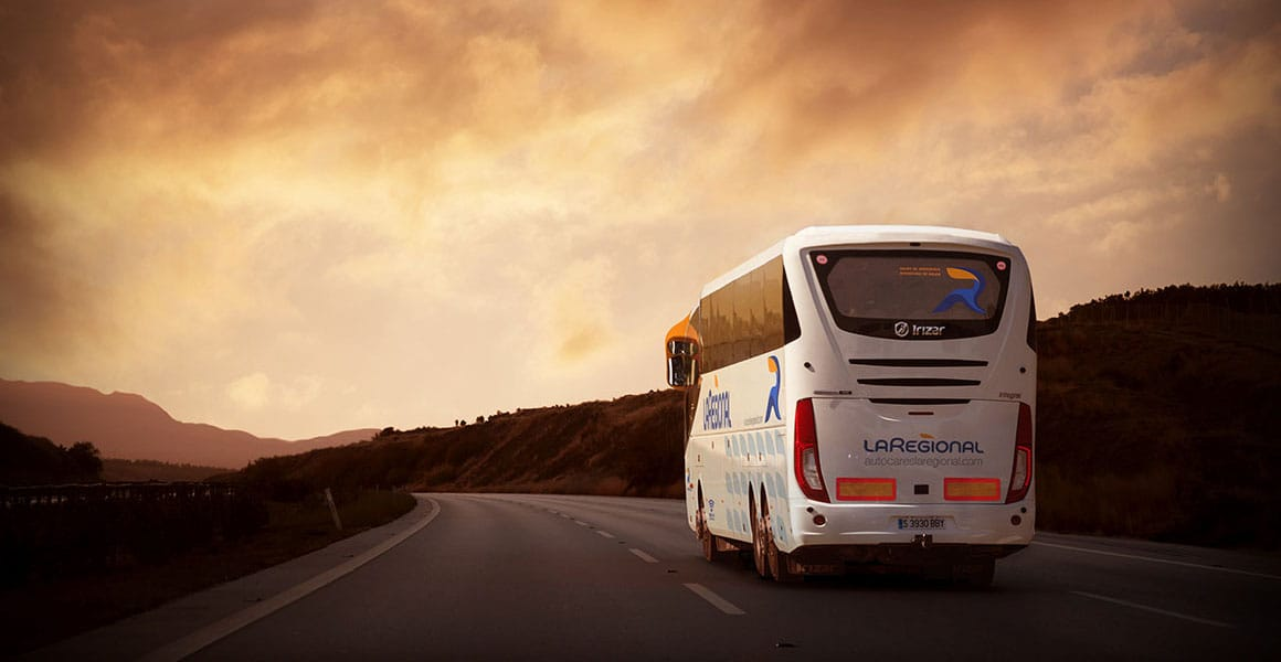 Autobús La Regional en la carretera