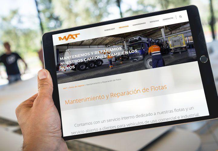 Tablet con imagen de la nueva web de Grupo MAT